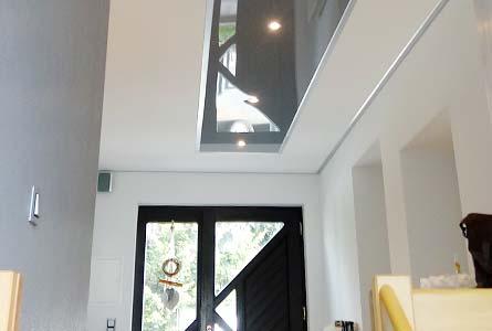 Decke im Flur und Treppenhaus renovieren - Spanndecke - PLAMECO Oberhausen, Essen, Bottrop und Umgebung