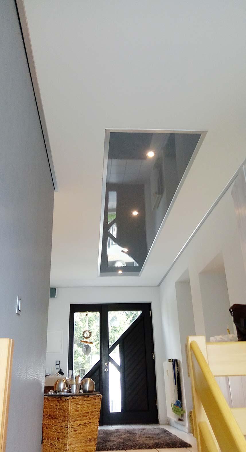 treppenhaus renovieren mit heller decke und beleuchtung plameco. Black Bedroom Furniture Sets. Home Design Ideas