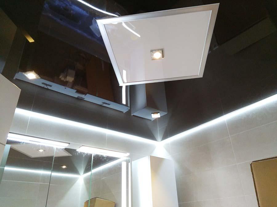 Schwarze Spanndecke Im Badezimmer Plameco Hartenstein