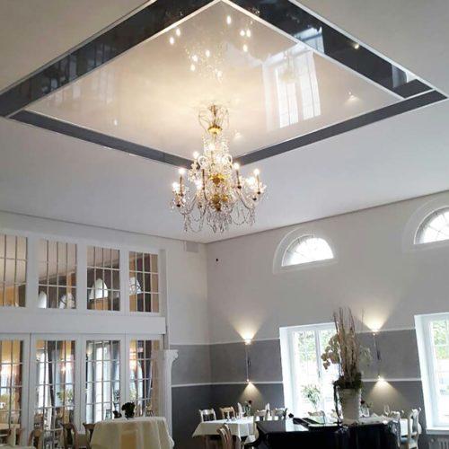 PLAMECO Decke im Restaurant - Deckenlösung Restaurant - Spanndecke - Beleuchtung