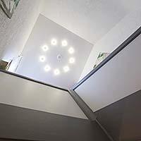 Decke im Treppenhaus renovieren - Anbieter PLAMECO Spanndecke