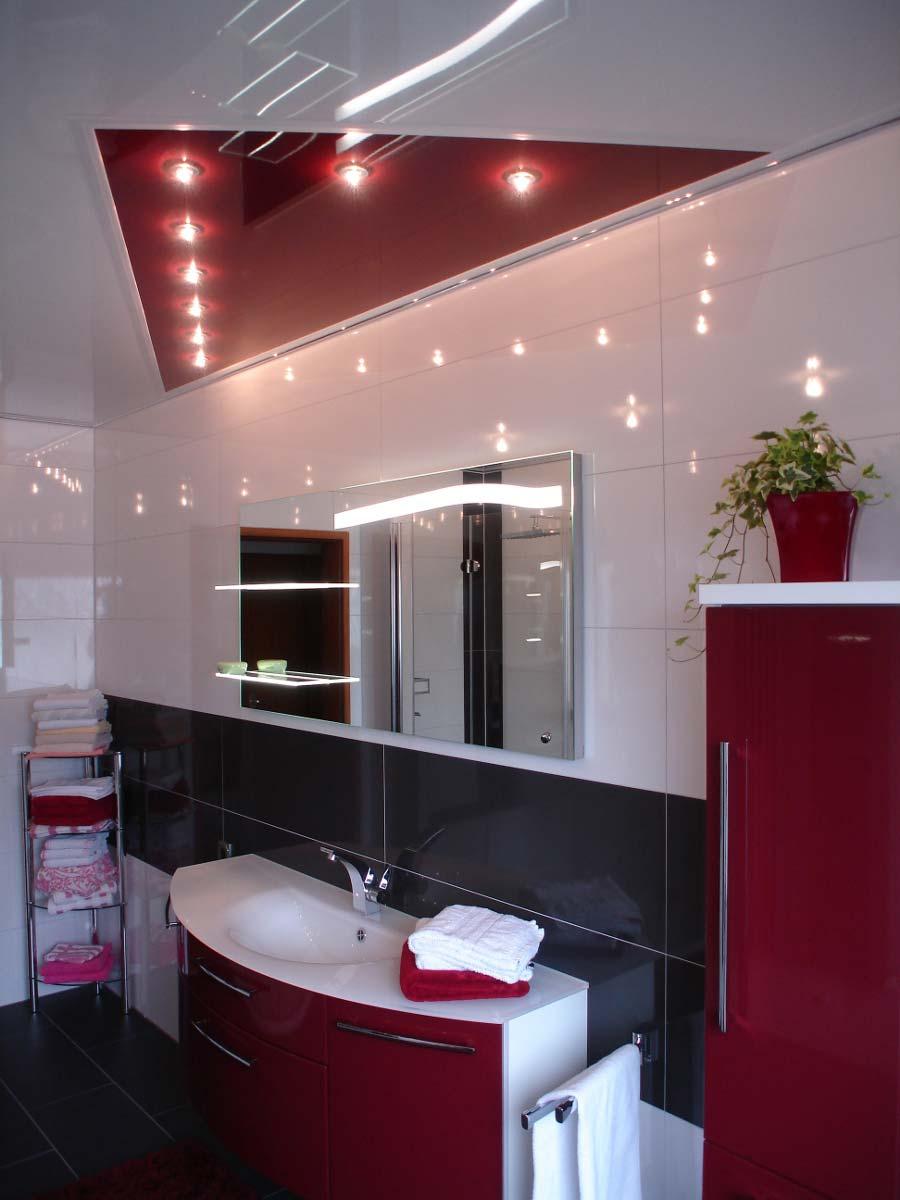 Badezimmerdecke gestalten mit PLAMECO Spanndecke in Essen, Oberhausen, Gelsenkirchen