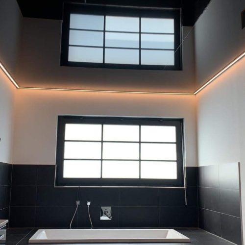 Badezimmerdecke mit LED Beleuchtung von Plameco Spanndecke in Oberhausen